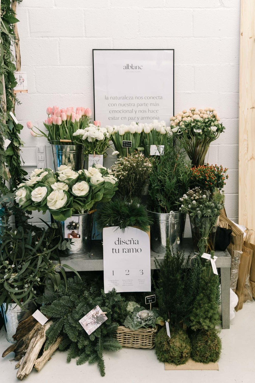 El floral cornerde Singulares Inventory Room - floral corner