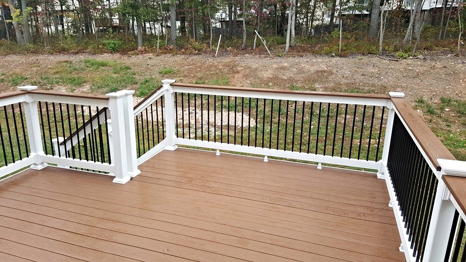 """Cabin"" Decking with White Rails and Black Balusters"