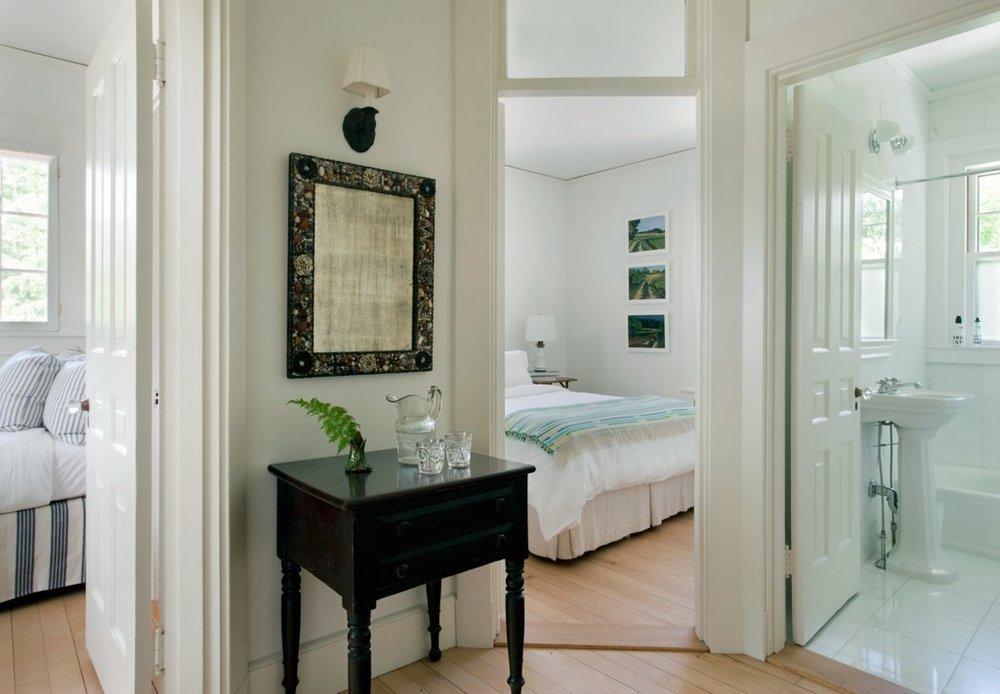 Abby Yozell 09 hallway.jpeg