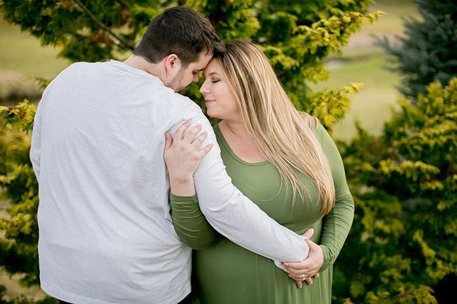 'Tis the season for glowing mommas! 😍😍 can't wait to watch so many of my friends become parents this year!!! And even more excited to be able to document these precious moments in their lives!! 🥰  #wildandwonderfulphotography #maternity #maternityphotographer #wvmaternity #momgoals #momtogs #pregnancy #babies