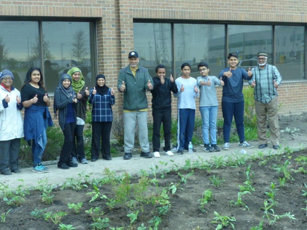 IMO Planting May 12, 17.jpg
