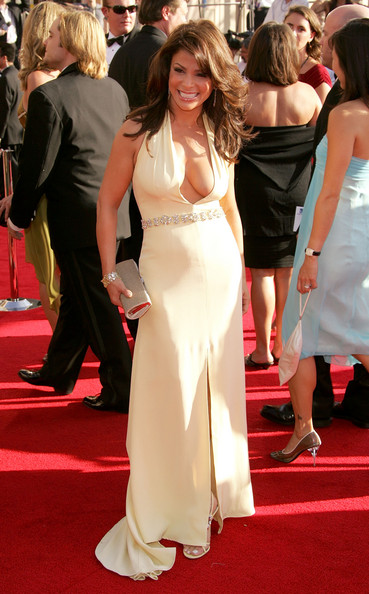57th+Annual+Emmy+Awards+Arrivals+pEIyGt3wrztl.jpg