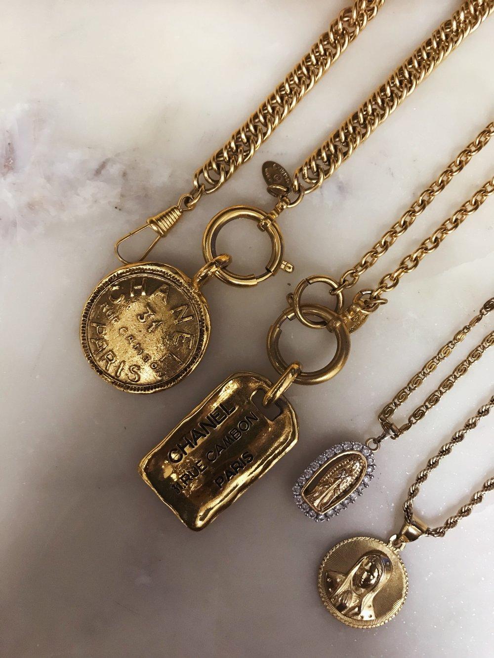 Dennaya-Famous-Gold-Necklaces-2.jpeg