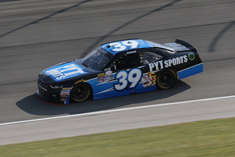 TheHouse.com 300 Chicagoland Speedway Saturday, Sep 16 Photo Gallery
