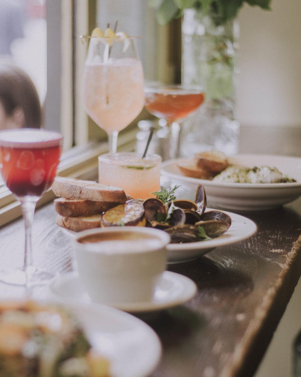 Happy Hour menu at Cafe Pettirosso