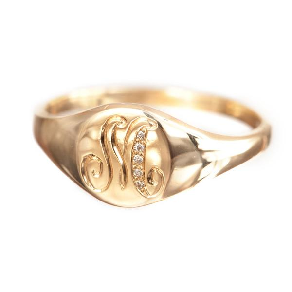 https://www.arielgordonjewelry.com/collections/rings/products/classic-signet-ring