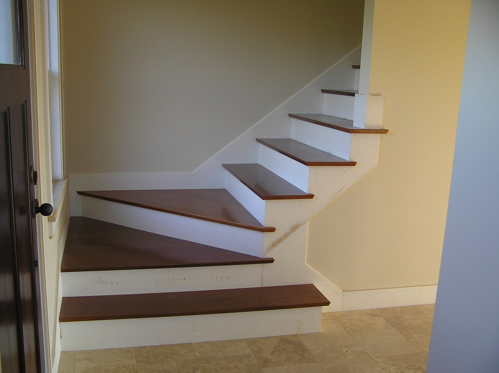 new stairs 016.jpg