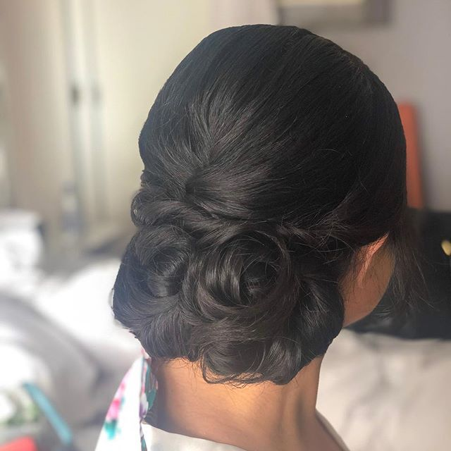 My bride, Amelia's wedding day hair a couple weeks ago. She had long and quite damaged hair, so her key words to me were - shiny and no frizz! She couldn't believe when she saw the back of her hair 😂🥰 Products used: @sexyhair 450 Hot Tool Protectant Spray @bedheadbytigi After Party Smoothing Cream @kevin.murphy.australia Shimmer Shine Spray @redken Fashion Work Hair Spray @livingproofinc Control Hair Spray