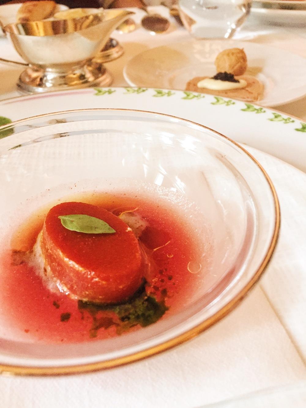 Tomato jelly, foie gras and caviar cracker