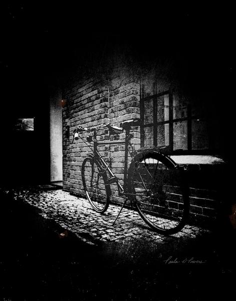 Stage Door Bike BW