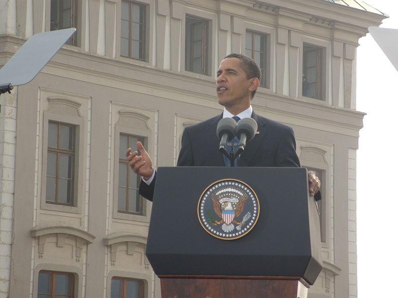 800px-Obama_Talk_-_B.jpg