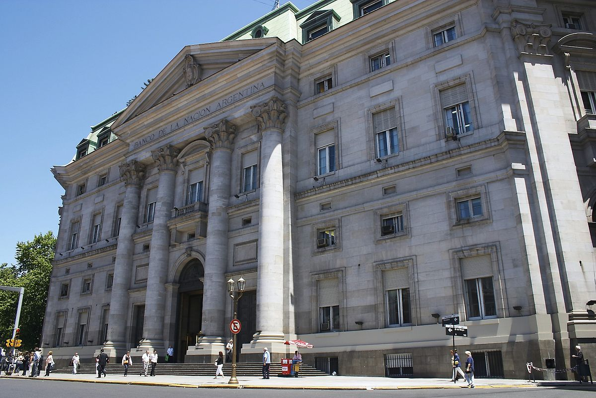 http://commons.wikimedia.org/wiki/File:Buenos_Aires-2672f-Banco_de_la_Naci%C3%B3n_Argentina.jpg#mediaviewer/File:Buenos_Aires-2672f-Banco_de_la_Naci%C3%B3n_Argentina.jpg