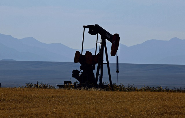 Oil-Pump-In-Montana-Public-Domain.jpg