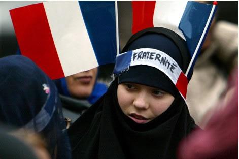 drapeau_france_voile_hijab-noir_bandeau