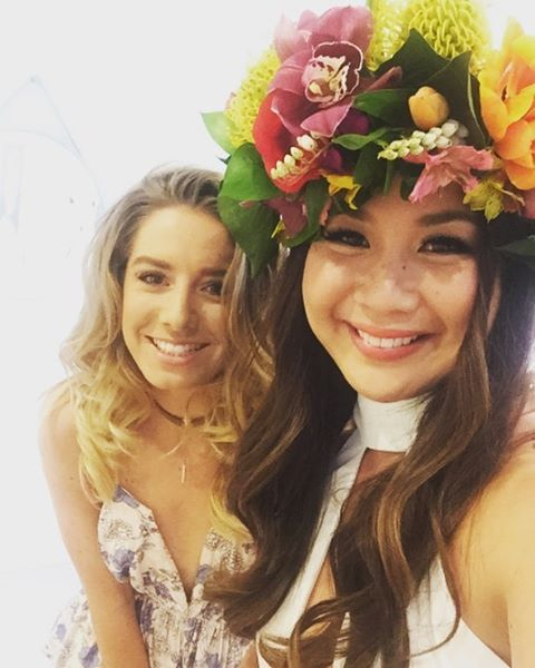 Tropical crown in action #flowercrowned #hensparty #love