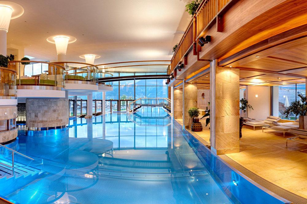 Schlosshotel FissDigital Detox Urlaub - Ab 23. Juni 2019 Termine regelmäßig auf Anfrage buchbarGenießen statt Googlen. Lieben statt Liken. Bewundern statt Posten.Mit analogen Abenteuern, ungestörten Momenten für sich, ihre Partnerschaft und Familie und spannenden Digital-Detox-Workshops | Mehr dazuSchlosshotel Fiss in Tirol | 5-Sterne-Spa- und Familien-Hotel in Fiss | Österreich