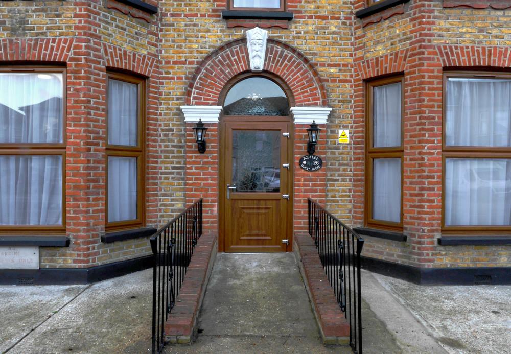 Rosalee - Front - Door - 01.jpg