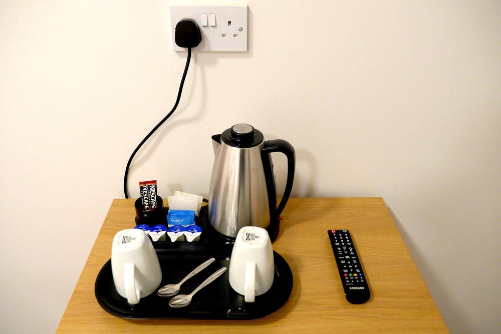 Rosalee - Single Room - Tea & Coffee - Alt - 01.jpg