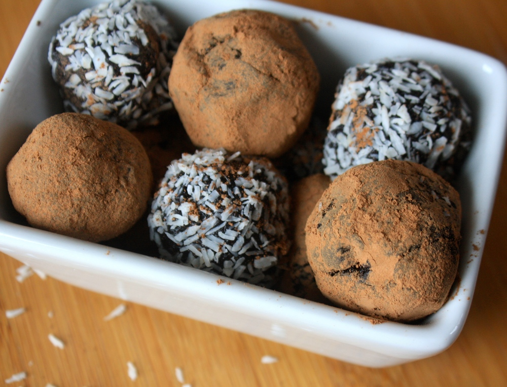 Easy Vegan Bliss Balls