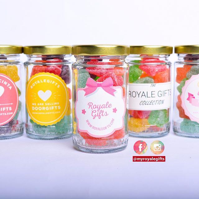 Gummy in bottle! Sesuai untuk majlis aqiqah dan hari jadi . Yummy gummy! Beautiful glass bottles .  RM2.40 per bottle . Free delivery to certain areas around KL and Selangor . More Info & Testimonials : http://www.royalegifts.com/testimonials . WhatsApp: 014.9646.007