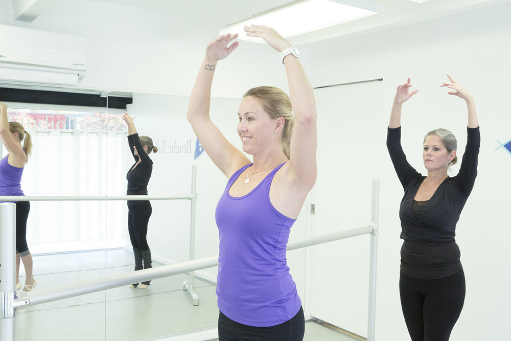 Ballet technique class - Learn ballet technique at the barre, jumps, and turns in this 90-minute ballet class.