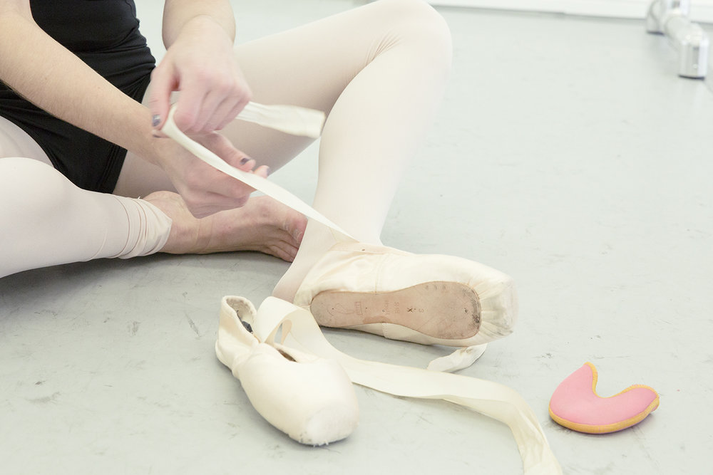 POINTE - Join this 30 minutes pointe class to learn proper placement, alignment, and improve en pointe.If the you're ready for center, you can venture out - otherwise we'll stay on the barre.
