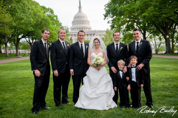 Real wedding wednesday an elegant black tie affair at the st you just cant have a swanky washington wedding without grabbing a few shots in front of the capitol love this one junglespirit Image collections