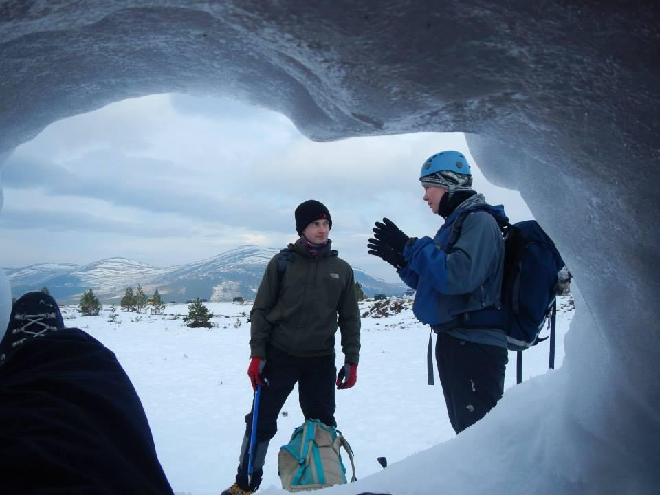 Copy of snowhole 1.jpg