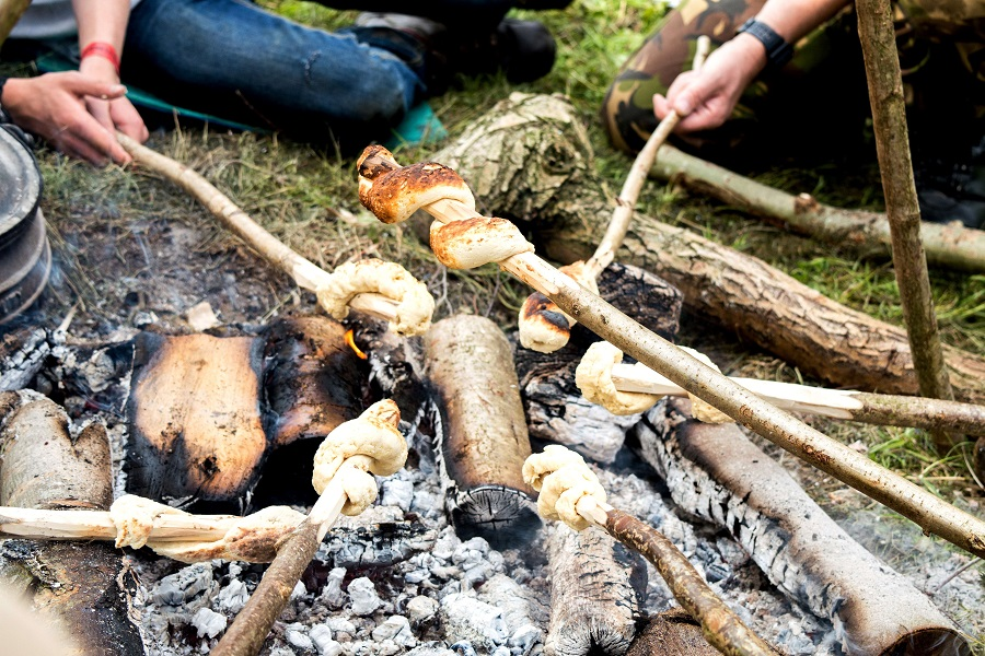 wilderness-gathering-bannock-5_david willis.jpg