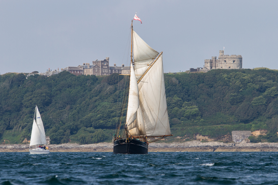 1Bessie-Ellen-off-Pendennis-Point.jpg