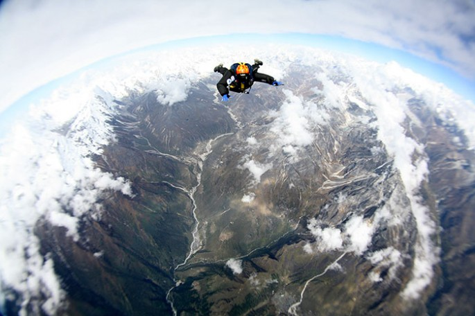 holly_budge_skydive_everest.jpg