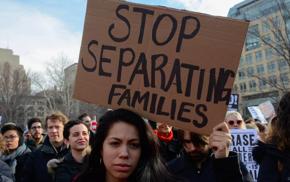New Yorkers protest against the Trump administration's new immigration policies and accompanying ICE raids, February 11, 2017. (Reuters / Stephanie Keith)