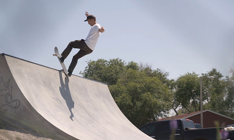 levis-skateboarding-in-pine-ridge-00.jpg