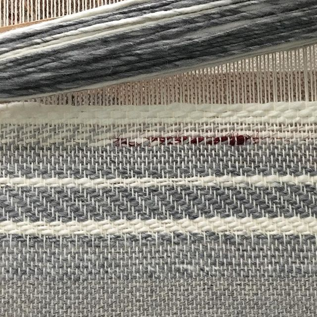 Playing with some @camelliafibercompany handspun this morning. 〰️ 🐞 . . . . .  #weaving #floorloom #handspun #camelliafibercompany #artyarn #wip #creativeprocess #handwoven #textiles #homedecor