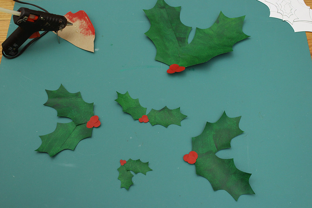 DIY Paper Bag Christmas Holly Leaf Decoration
