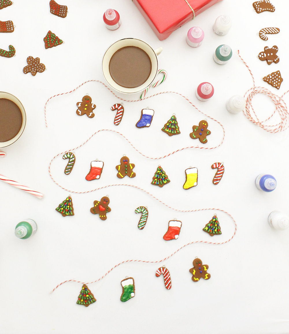 Mini Gingerbread Cookie Garland decorated