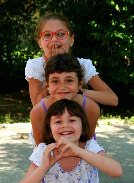 girls-946288_960_720.jpg