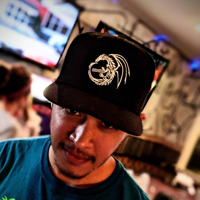 Week 1 started last night!!! And in addition to the team shirts, we've got roller hats. @brandonnight nailed it here with his Stepfather of Dragons one 🐉🧢 #brewskeeballla #brewskeeball  Anyone who wants to join can still sign up! Just go to BrewskeeBall.com/LA and register.