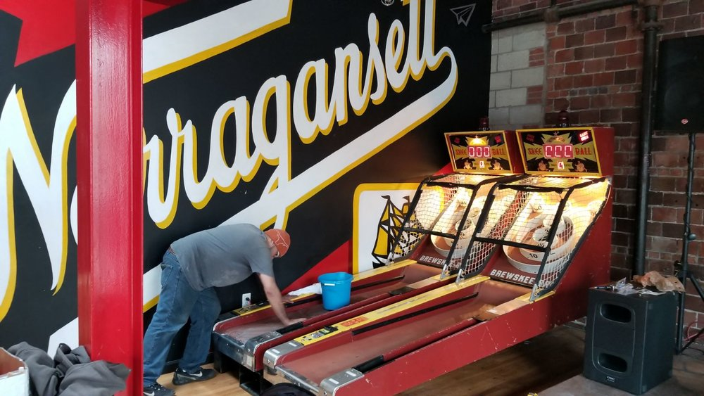 DARBY SETTING UP THE LANES