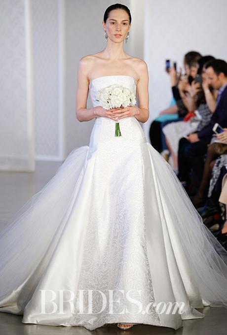 oscar-de-la-renta-wedding-dresses-spring-2017-015.jpg