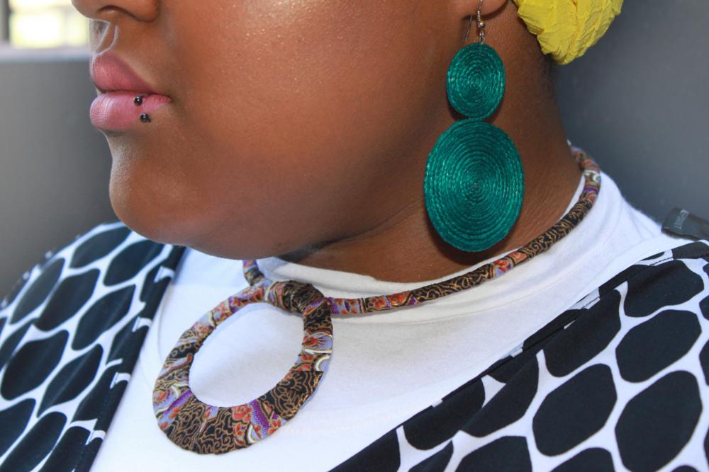 Handmade Raffia Earrings by Sikart