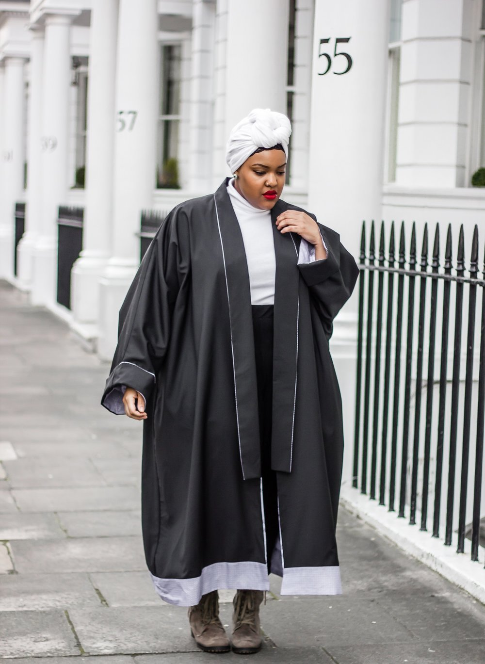 Leah-Vernon-Buno-Designs-Plus-Size-Style-Blogger-London-Muslim-Girl.jpg