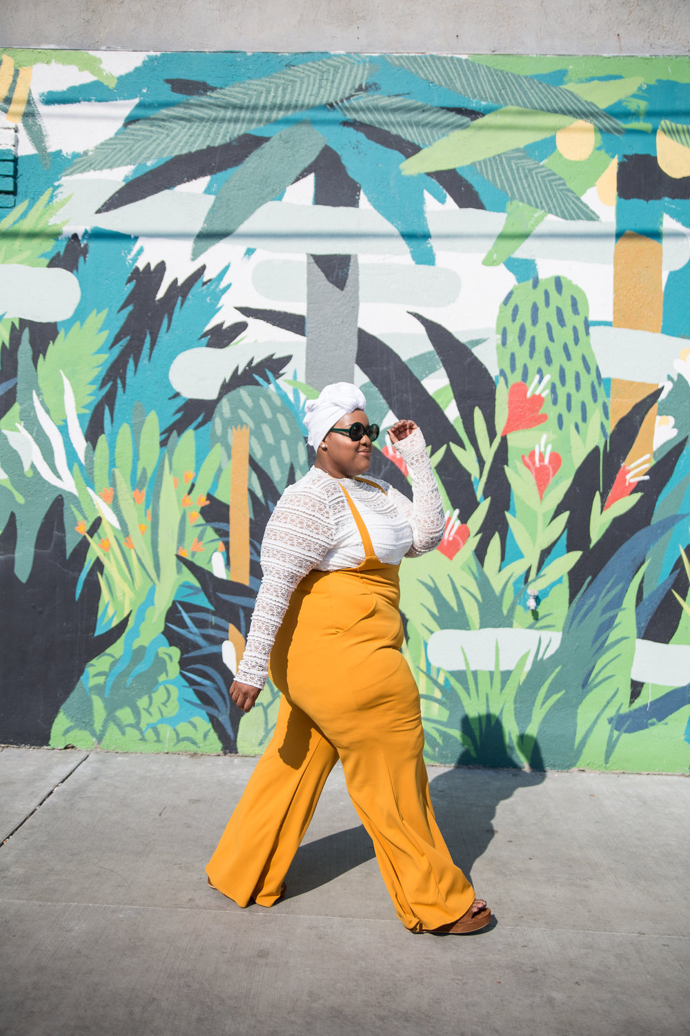 Leah-Vernon-Plus-Size-Model-Muslim-Body-Positive-Black-Girl-Detroit-Style-Blogger-1.jpg