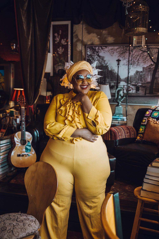 Detroit-Blogger-Body-Positive-Muslim-Girl-Black-Hijabi-Plus-Size-Model-Monochrome-NYFW-Style-Leah-Vernon-1.JPG