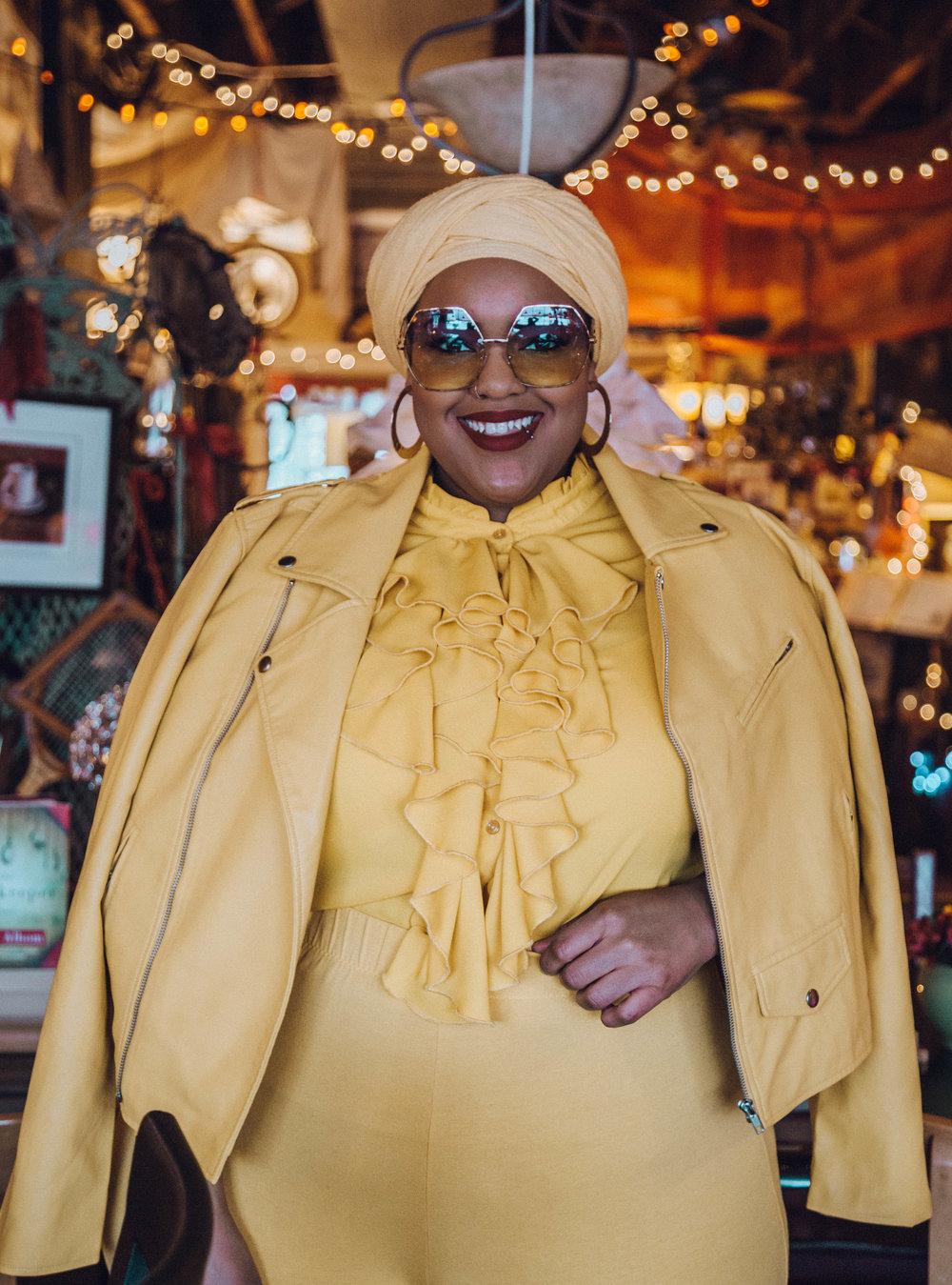 Detroit-Blogger-Body-Positive-Muslim-Girl-Black-Hijabi-Plus-Size-Model-Monochrome-NYFW-Style-Leah-Vernon-4.JPG