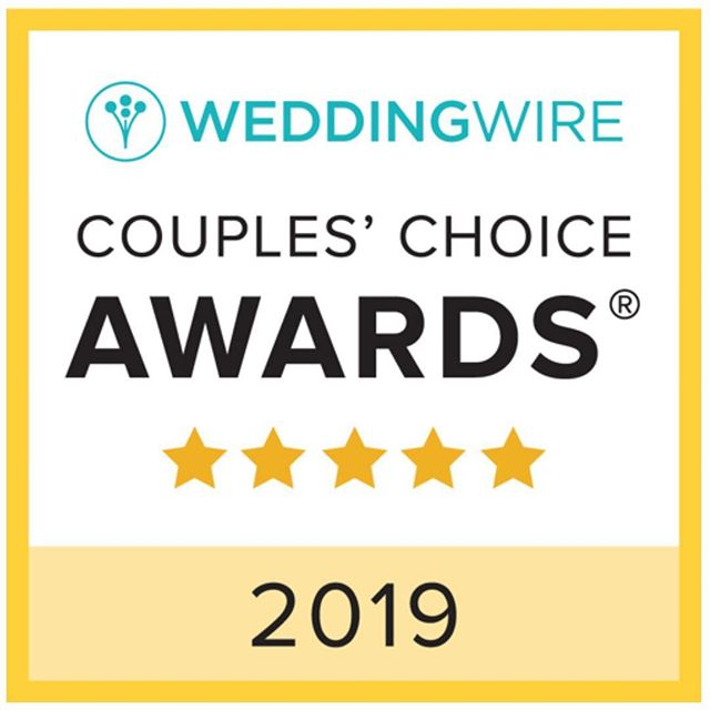 What a wonderful way to begin our Tuesday! We are excited to receive the 2019 Couples' Choice Award® from @weddingwire for the third year in a row! We love our clients and are so blessed to have you all in our lives! Here's to 2019!