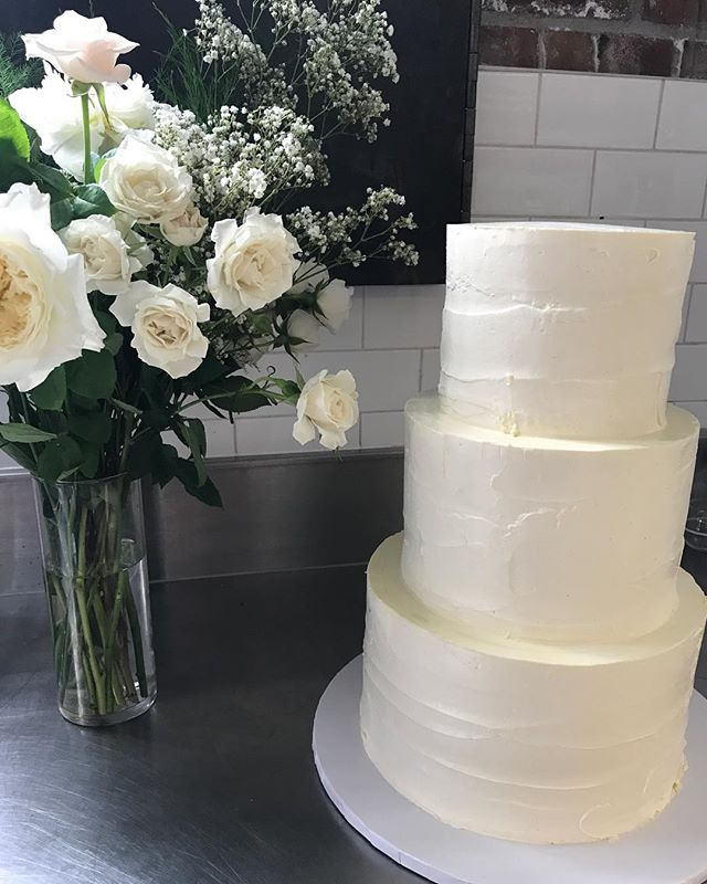 BEFORE .... #ido #weddings #wedding #weddingcake #cake #buttercream #rustic #beautiful #steamwhistlebrewery #venue #toronto #the6ix #yyz #canada