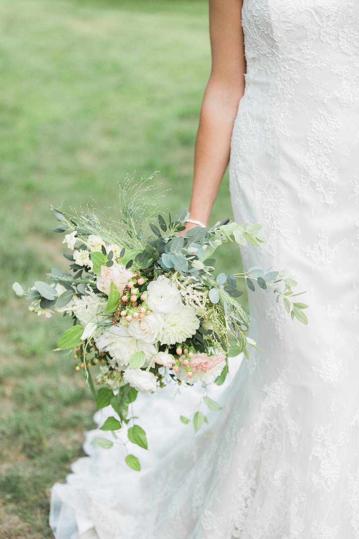 FlowerKiosk_WeddingLookbook_001.jpg