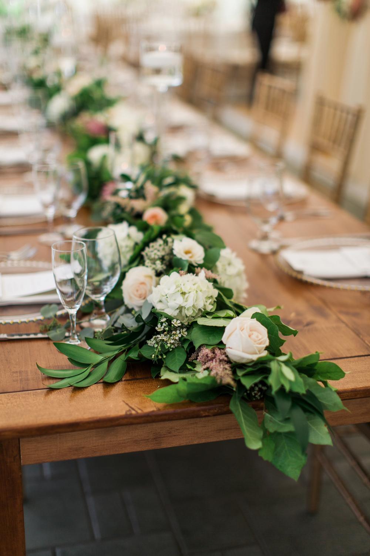 FlowerKiosk_WeddingLookbook_007.jpg