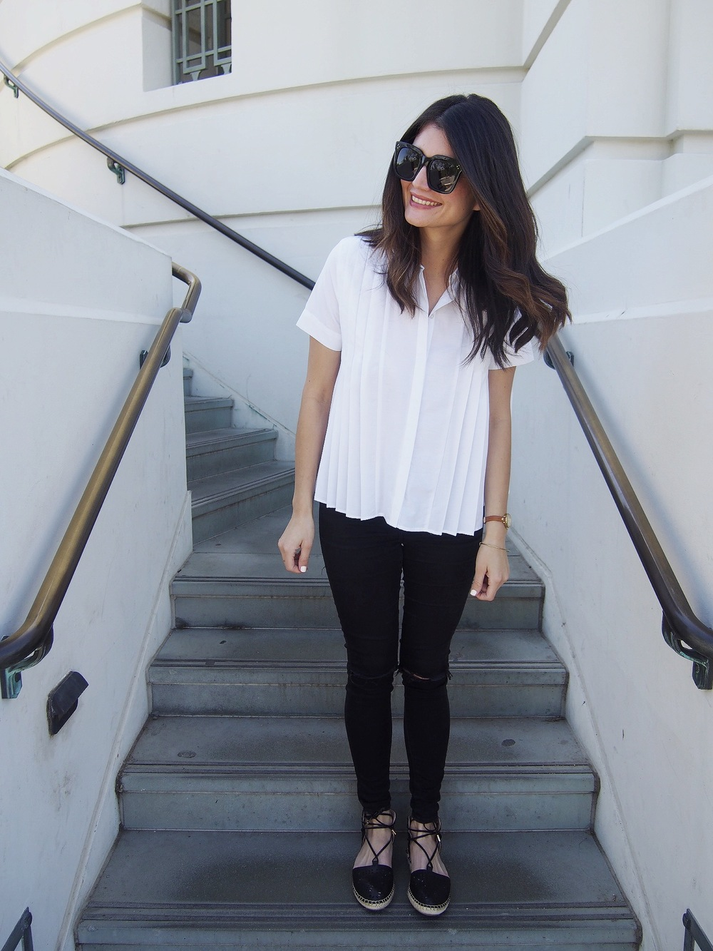 Top:  Zara . Jeans: Old Topshop. Shoes:  Topshop . Sunglasses: Celine.